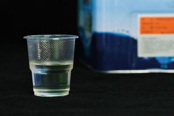 环氧滚涂自流平固化剂